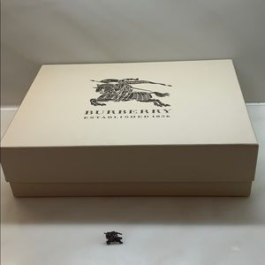 Authentic Burberry B prorsum Pin. & big gift box